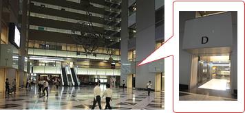 新宿NSビル1F エレベーターホール